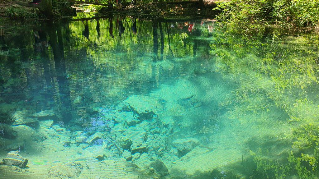 Ochiul Beiului – lacul care nu ingheata